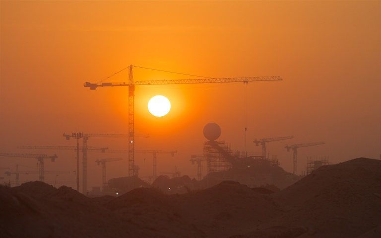 Abu Dhabi 886