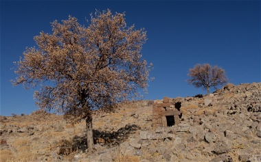 Crumbling settlement of Binbir Kilise