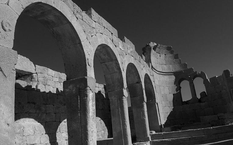 Church ruin 1