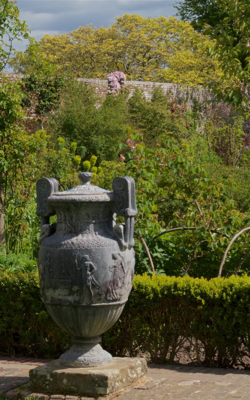 Sissinghurst spring 17 7